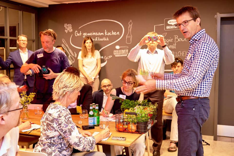 Maggis erster begehbarer Foodblog begeistert Besucher – Nestlé ... | {Maggi kochstudio 70}